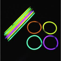 Wholesale Novelty Flash Necklace - New Multi Color Hot Glow Stick Bracelet Necklaces Neon Party Flashing Light Stick Novelty Toy CCA6889 1000pcs