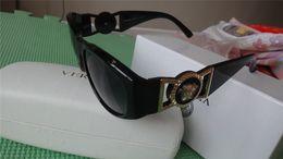 Wholesale Tyga Free Shipping - new fashion 424 UV 400 Original box Protection Italy Brand Designer Gold Chain Tyga Medusa Sunglasses Men Women Sun glasses Free shipping