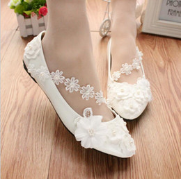 Wholesale Korean White Dress For Women - Korean Style White Flower Lady Shoes for Spring Handmade Lace Shoes for Pary Weddind Bride Bridesmaid from Flat Inch to 3 Inches Low Heel
