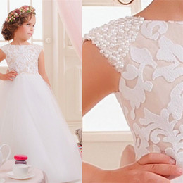 Wholesale little girls pageant dresses rhinestones - 2016 Lace Pearls Flower Girl Dresses Off Shoulder Tulle Children Wedding Dresses Elegant Little Girl Pageant Dresses
