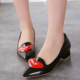 Wholesale Sexy Flat Comfortable Shoes - European and American sexy lips female flat shoes Pointed toe patent sneakers 2015 Fashion Comfortable ladies