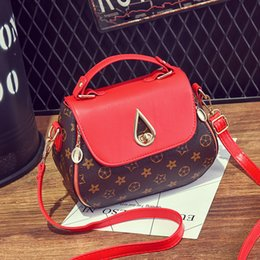 Wholesale Brand New Cell Phones - New Style Print Fashion Woman Small V Style Saddle Luxury Handbags Crossbody For Women Famous Brands Messenger Bags Designer