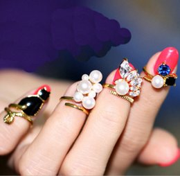 Wholesale Gold Manicure Set - 4Pcs Set Fashion pearl Crystal Rhinestone Finger Nail Rings Set Gold Plated Manicures Rings Jewelry For Women Charm Rings