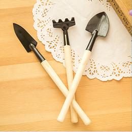 Wholesale Garden Gardeners - 3Pcs Set Children Mini Compact Plant Garden Hand Wood Tool Kit, Spade Shovel Rake For Gardener