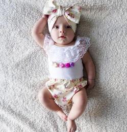 niños de la moda de los mamelucos Rebajas Nuevo Verano Europa Moda Bebé Niños Ropa Traje Mamelucos del bebé Establece Infant Tops + Bandas + Floral PP Pantalones 3 unids Conjuntos Niños Conjuntos