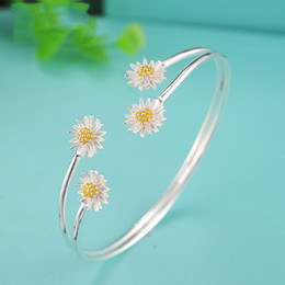 Wholesale Fresh Flower Bracelets - Wholesale- S925 Silver Fashion Fresh Daisy Flowers Sun Mouth Bracelet