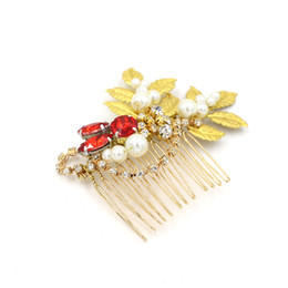 Wholesale Cute Wedding Hair - Cute Golden Leaves with Crystals 2016 Wedding Accessories Hair Comb Shiny Alloy Headdress Pearls Bridal Hair O406