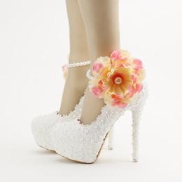 Flor de encaje blanco Zapatos de boda Correa de tobillo con apliques Princesa Plataforma Zapatos de vestir de novia de tacón alto Mujeres Bombas de primavera desde fabricantes