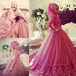 Wholesale Islamic Wedding Dresses Hijab - 2018 Muslim Wedding Dresses Long Sleeves High Neck Lace Applique Islamic Wedding Dress Sweep Train Vintage Dubai Bridal Gowns with Hijab