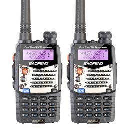 Canada Gros-2 PCS Nouveau Talkie Walkie Baofeng UV-5RA Pour Scanner Radio VHF UHF Double Bande Jambon Radio Émetteur-Récepteur Libre Casque Offre