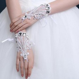 Wholesale High Fashion Wedding Gloves - 2017 New Fashion Luxury Wrist Length Bridal Gloves With Bling Bling Crystals 017-DH Lace Wedding Gloves High Quality Wedding Accessories