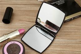 Scatole regalo pieghevoli online-Vendita CALDA con logo Specchio doppio laterale pieghevole con confezione regalo specchio per trucco nero Stile classico portatile
