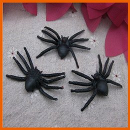 Wholesale Rubber Cockroaches - Rubber Cockroaches Flies Spiders Toys Kids Toys Baby Animal Model Spider April Fool's Day Halloween Trick Toys Peculiar Gift 160912