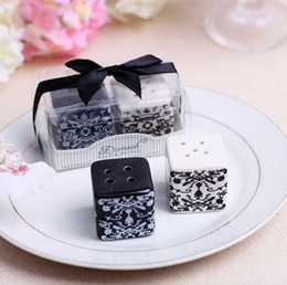 Wholesale Bridal Shower Giveaway Gifts - wedding favor gift and giveaways for guest-- Damask Ceramic Salt and Pepper Shakers bridal shower party souvenir 200pcs lot