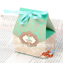 Wholesale Euro Style Boxes - free shipping 50pcs lot Euro-style Wedding Favor Candy Boxes Quotes Including Silk Ribbon Blue Or Red Color Options Middle Size