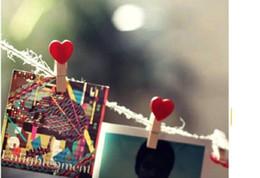 plumas de pavo teñidas Rebajas Amor Rojo Corazón De Madera Mini Clip Colorido Papel Fotográfico Clavijas de Madera Artesanía de los Niños Favor de Partido Home Wedding Party Decoration