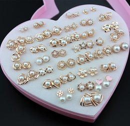 Orecchini casuali online-Gioielli delle donne di moda 36 paia / lotto Orecchini in oro rosa chiaro Stili casuali Perle imitazione Orecchini regalo di Natale ME223