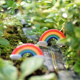 Ferramentas de jardinagem em miniatura on-line-6 pcs arco-íris mini fada decoração do jardim terrário miniaturas ferramenta baison micro paisagem plastic craft gnomos acessórios para casa