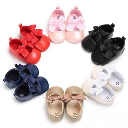 Wholesale Footwear Colorful Shoes - Newborn princess shoes Baby First Walker Shoes moccs Baby moccasins toddler kids PU leather Colorful Bows footwear toddlers shoes