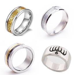 Deutschland Herren Silber vergoldet DragonTungsten Carbide Ring Schmuck Hochzeit Band Ringe Rom Passwort Ring Ghost Party kann den Ring Titanium Ri drehen Versorgung