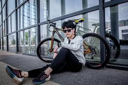 Wholesale Wholesale Carbon Bike Frames - Carbon steel frame material 21 speed 26 inch 30 spoke wheel bike Cycling wholesale mountain bike