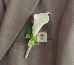 Cala broches de la boda del lirio online-2016 Nueva Boda Boutonniere Broche real Touch blanco Calla Lily Corsages hecho a mano del novio Boutonniere para el banquete de boda suministros