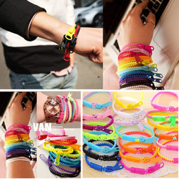 lotes misturados por atacado 48 pcs multi-cores de moda com zíper estilos pulseiras de plástico marca nova de