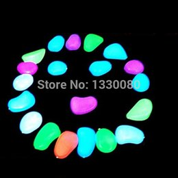 Serbatoi di pesce online-10 pezzi Luminosa emissione di luce artificiale Pebble Stone Fish Tank Decorazione E5M1 ordine $ 18no track