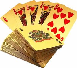 2019 jogos de mesa de natal Hot Durável À Prova D 'Água De Plástico Jogando Cartas De Poker 24 K Folha De Ouro Banhado A Jogar Cartas De Poker Presentes De Natal Presentes de Natal Estilo Euro Dólar EUA jogos de mesa de natal barato
