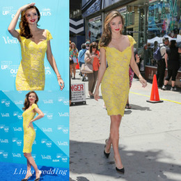 Wholesale Miranda Kerr Dress Sheath - Fashion Miranda Kerr Yellow Lace Evening Dress Cap Sleeve V Neck Short Party Gown Women Dress