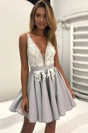 Wholesale Chic Wear - Little Silver Short Homecoming Dresses with White Lace A-Line Deep V-Neck Sweet 15 Graduation Gowns Sexy Chic Cocktail Party Wear BA6972