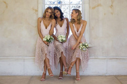 Wholesale tea length bridesmaid dresses tulle - 2018 Short Bridesmaid Dresses A Line V Neck Tea Length Blush Pink Lace Bridesmaids Gowns Backless Wedding Party Dresses