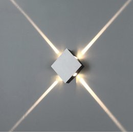 soportes de pared de iluminación Rebajas Lámpara de pared LED de 4W Superficie de interior Lámpara de pared LED de cubo montada en blanco / Negro Lámpara de pared de iluminación de interior y hacia abajo Lámpara de soporte de iluminación interior