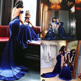 Wholesale Royal Blue Diamond Dresses - Modest 2016 New Mother And Daughter Velvet Evening Dresses Sexy Halter Off Shoulder Backless Diamonds Long Formal Gowns Prom Party EN8019
