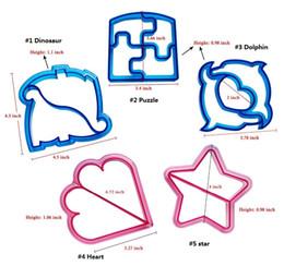kuchenwagenformen Rabatt 10 Form Dinosaurier Hund Schmetterling Stern Auto Form Sandwich Brotschneider Form Kuchen Werkzeuge Kuchen Toast Formen Sandwich Cutter