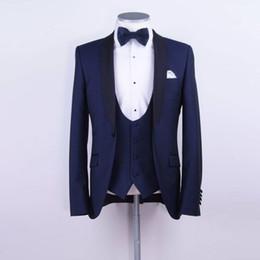 2019 corbata de lazo para hombre chaleco Traje azul marino por encargo para hombre Dos piezas de boda esmoquin Slim Fit novio Trajes formales (Chaqueta + Chaleco + pajarita) rebajas corbata de lazo para hombre chaleco