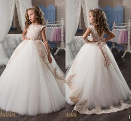 Wholesale Cheap Christening - Arabic 2017 Vintage Lace Flower Girl Dresses Cheap Ball Gown Tulle Child Dresses Beautiful Flower Girl Wedding Dresses F060