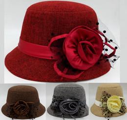 Toptan Sonbahar ve Kış Zarif Keten kadın Moda Kap Bayanlar Çiçek Dantel Kova Şapka Kadınlar Küçük Fedoras Şapka Cloche Şapkalar nereden