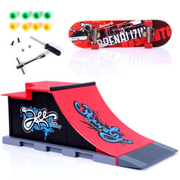 Wholesale Toy Ramps - Mini Table Game Finger Skating Board With Ramp Parts Track Deck Fingerboard Ultimate Parks Toy Children Birthday Gifts 15dd C