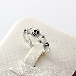 Wholesale Skull Ring Rose - Top Grade Personality Alloy Skull Heads Rose Gold White Gold Plated Double Layers Wrapped Unisex Finger Ring Men Or Women
