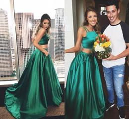 2019 vestidos de fadas 2019 New Green Two Pieces Vestidos de Baile Backless Cintas de Espaguete Backless 2K17 Casal Moda Casal Fahsion Vestidos de Noite com Trem Da Varredura vestidos de fadas barato