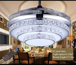 Al por mayor-Invisible Crystal Light Ventiladores de techo Lámpara LED moderna de cristal Sala interior Ventiladores de techo Crystal Light control remoto desde fabricantes