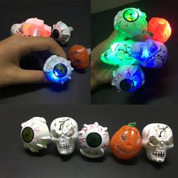 2016 Halloween LED Flashing Eye Ring Skull ring Kids Toys Novelty Design toy Christmas Gift For Adults and Children Deals