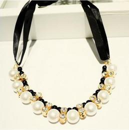 Perle choker halskette band online-Band Perlenkette Perlenkette Anhänger Anweisung zweireihig klobige Diamante Choker Perle Perlen Anhänger Halsketten Weihnachtsgeschenk