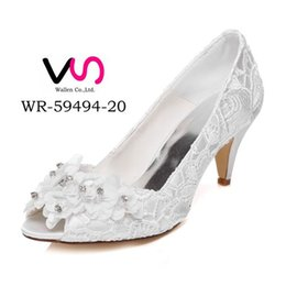 Wholesale White Bootie - 6.8cm High Ivory Color Nice Flower Lace Bootie Bridal Shoes Wedding Dress Shoes Handmade Shoes Evening Shoes Prom Party Shoes Size35- 4
