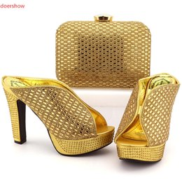 Wholesale Shoes Bag Sets - F2017 Latest Style African Woman Shoes And Matching Bag Set Italian Rhinestone High Heels Shoes And Bag Set For Wedding Party FG1-1