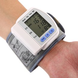 Wholesale Home Portable Automatic Digital Storage Memory Instant Read Heart Rate Wrist Blood Pressure Monitor Heart Beat Meter Device