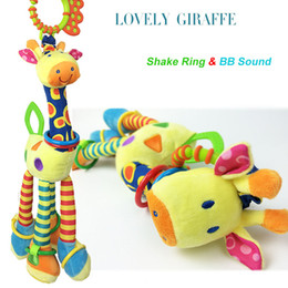 Wholesale Giraffe Crib Bedding - Wholesale- Kawaii Cartoon giraffe Stuffed Rattle Dolls Cute Crib Stroller Bed Bell Kids Toys Mobile Musical Baby Toys For Newborn BD007