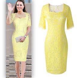 Robe jaune en dentelle midi en Ligne-Nouvelle arrivée élégante Lady Lace Robes Même que la princesse Kate Noble Demi-manche Square Collar Rouge Jaune Célébrités Party Dress