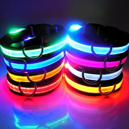 nouveau packaging de détail Promotion Comment Brand New Dog LED clignotant Collants incandescents Pet LED Collar Couleurs multiples avec anneau Collier Pet Shop